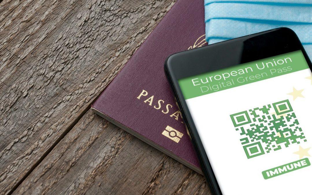 Green pass, perché è pericoloso pubblicare il Qr code sui social